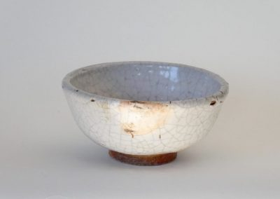 CN28  White Crackle Teabowl